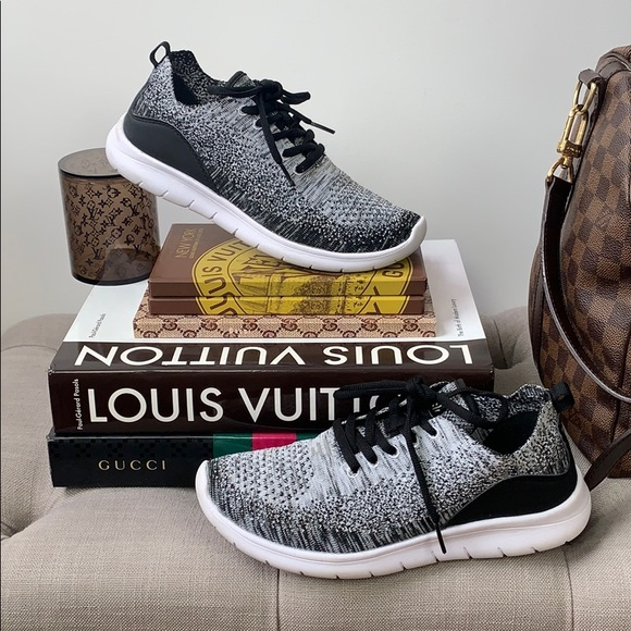 Freedom 2 Speed Knit Sneakers Size